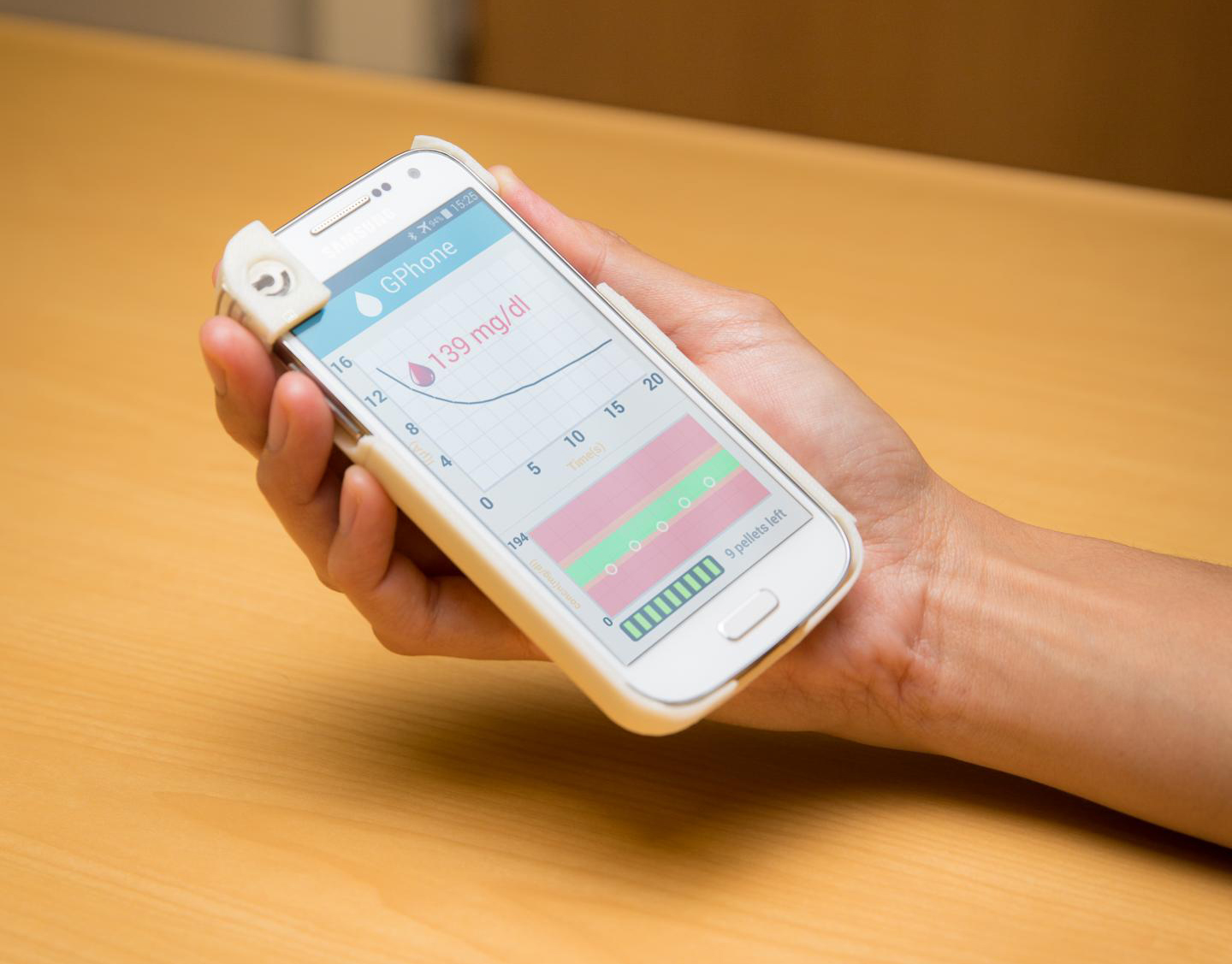 This custom-designed Android app displays test results on a smartphone screen. [David Baillot/UCSD Jacobs School of Engineering]