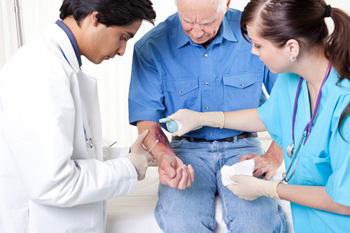 Blocking sodium sensor Nax with a nanoparticle-carried RNAi may eventually provide novel treatments for wounds and burns. [iStock/Pamela Moore]