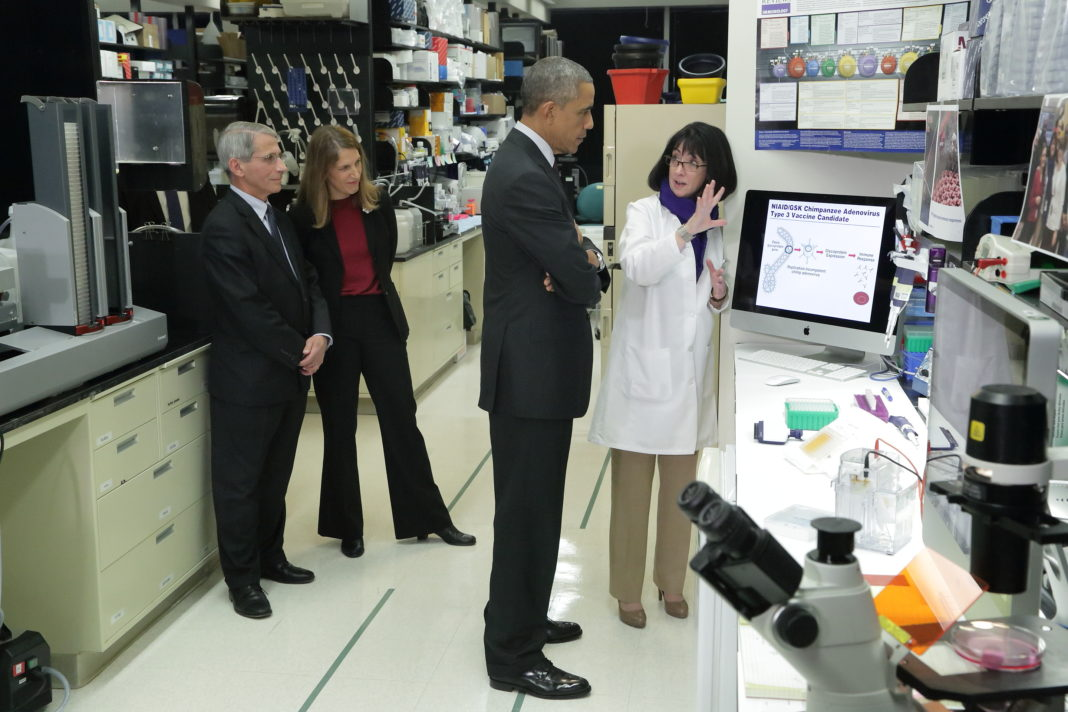 President Obama with Anthony Fauci and NIH Staff